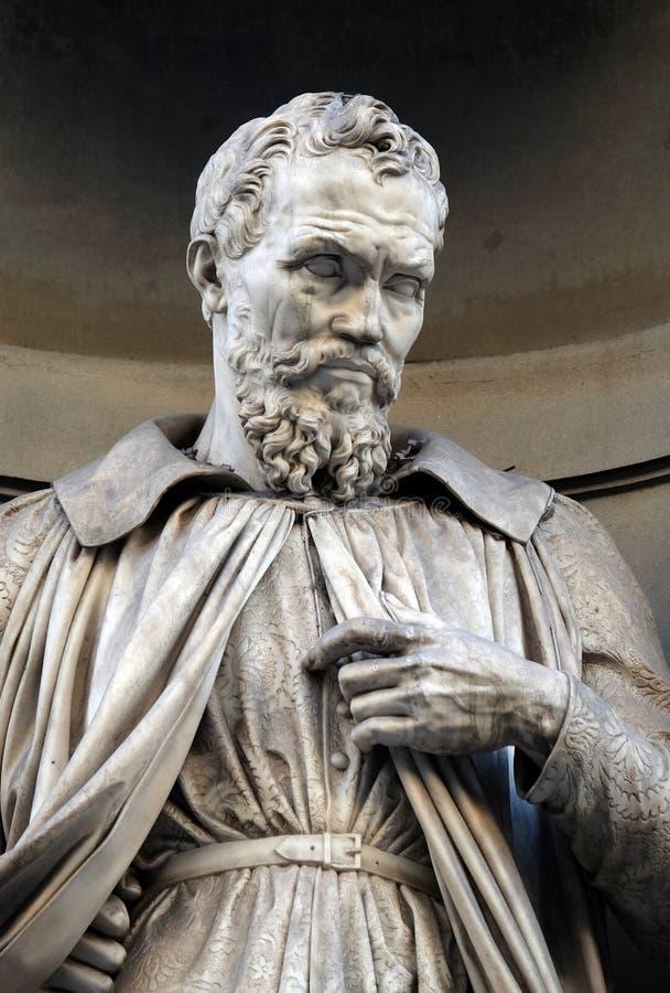 Michelangelo Buonarroti, άγαλμα στις θέσεις της κιονοστοιχίας Uffizi στη Φλωρεντία στοκ εικόνες με δικαίωμα ελεύθερης χρήσης