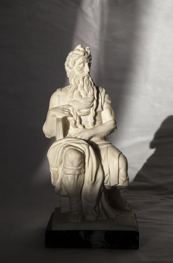 Download Michelangelo Moses-beeldhouwwerk, Zeer Populair Als Herinnering Van Rome Stock Afbeelding - Afbeelding bestaande uit hoornen, effect: 107706397