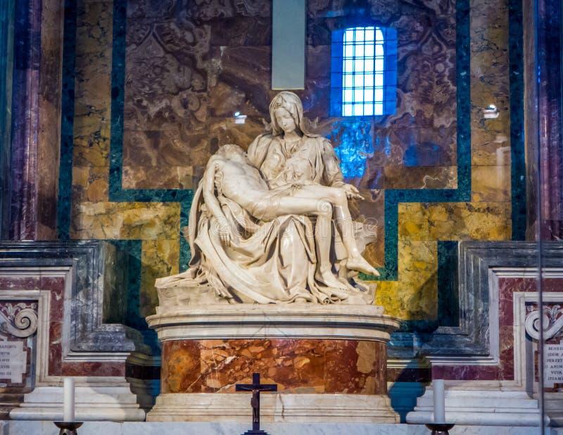 Michelangelo Pieta skulptur i Vaticanen arkivbild