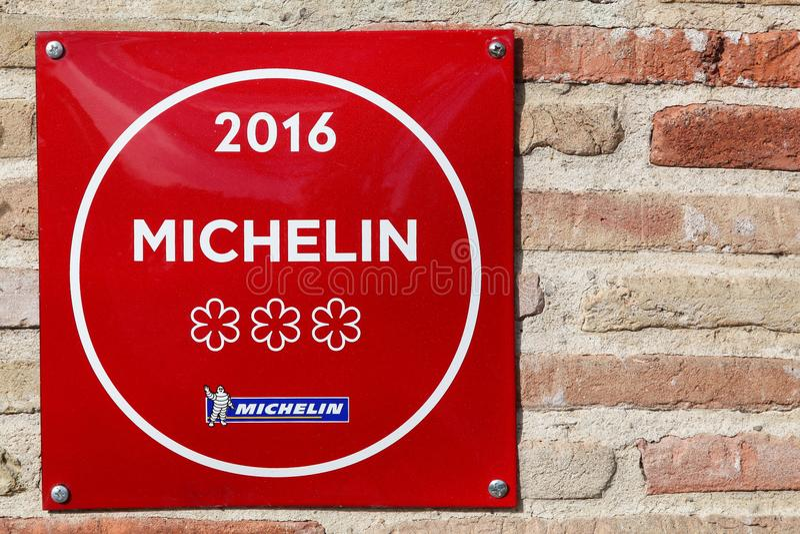 Michelin restauracja 3 gra główna rolę symbol na ścianie zdjęcia stock