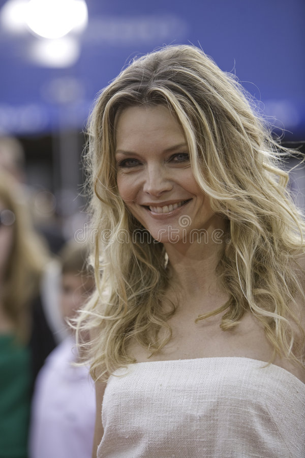 Download Michelle Pfeiffer 7 Editorial Photo - Image: 4247016