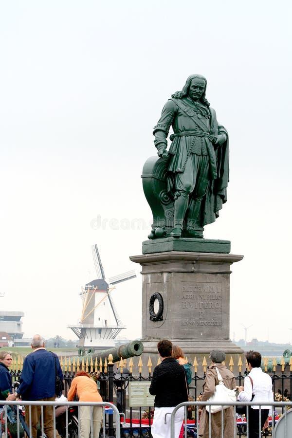 Michiel Adriaenszoon在大道de芮的de Ruyter雕象  免版税库存照片