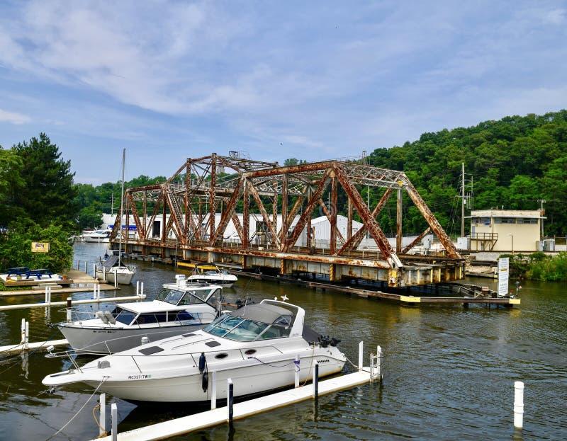 Michigan miasta linii kolejowej most Nad ślad zatoczką -1 obrazy stock