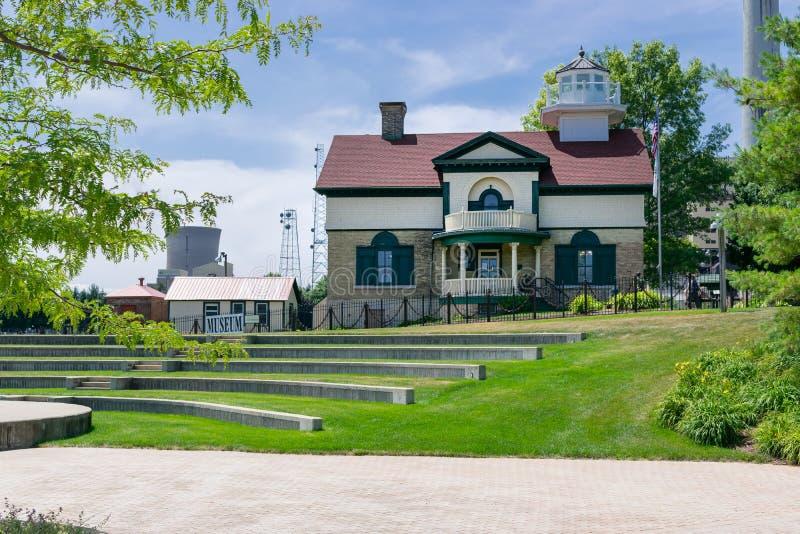 Michigan-Stadt, Indiana/USA am 28. Juli 2018: Washington Park-Leuchtturm-Museum im Jahrtausend-Park gebadet im hellen Sonnenlicht stockfotografie