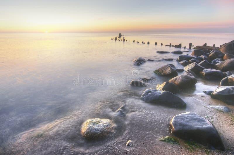 Michigansee-Ufer am Sonnenaufgang stockbilder