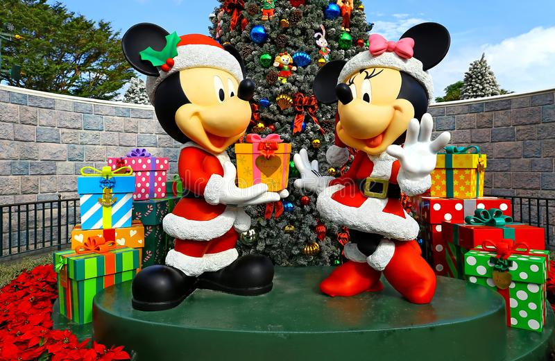 Mickey en minnie muiskerstmisdecor in disneyland Hongkong stock foto's