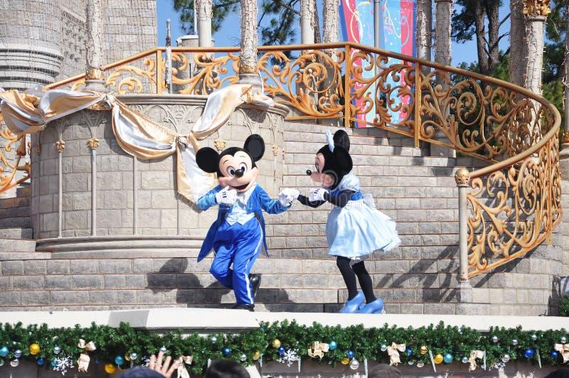 Mickey en Muis Minnie in de Wereld van Disney royalty-vrije stock afbeelding