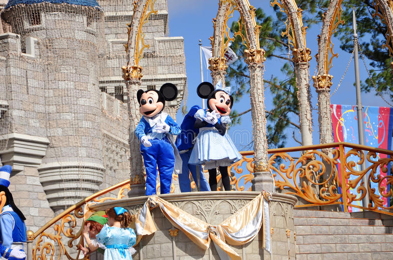 Mickey en Muis Minnie in de Wereld van Disney stock foto