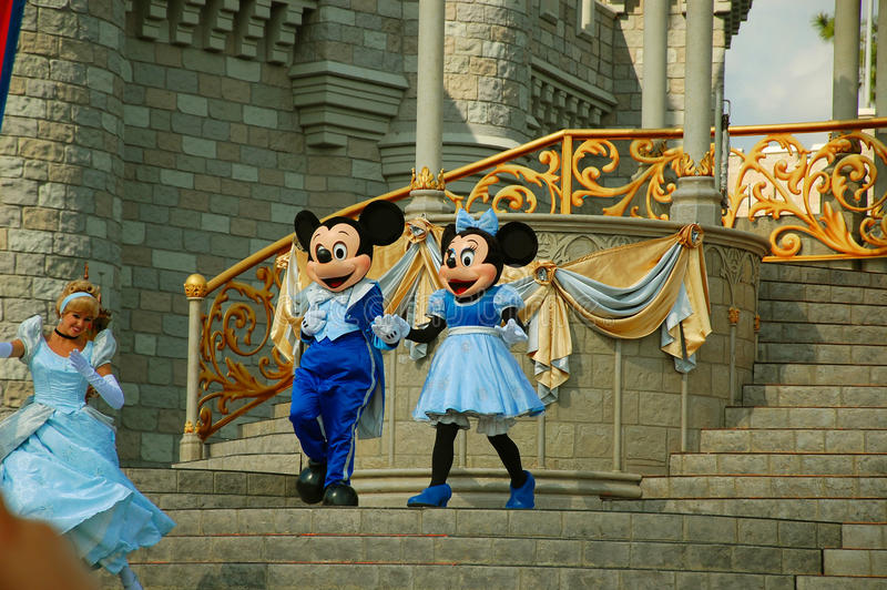 Download Mickey and Minnie on stage editorial image. Image of florida - 30553970