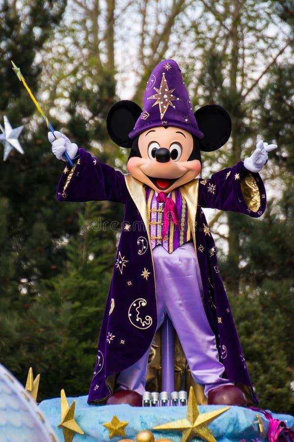 Mickey Mouse in Disneyland Parijs op parade royalty-vrije stock foto