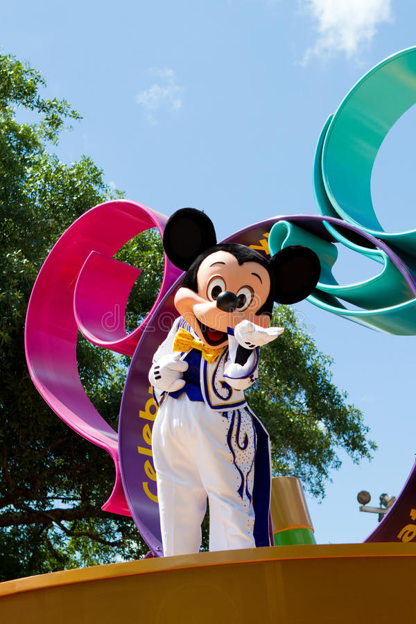 Mickey Mouse in een Parade stock afbeelding