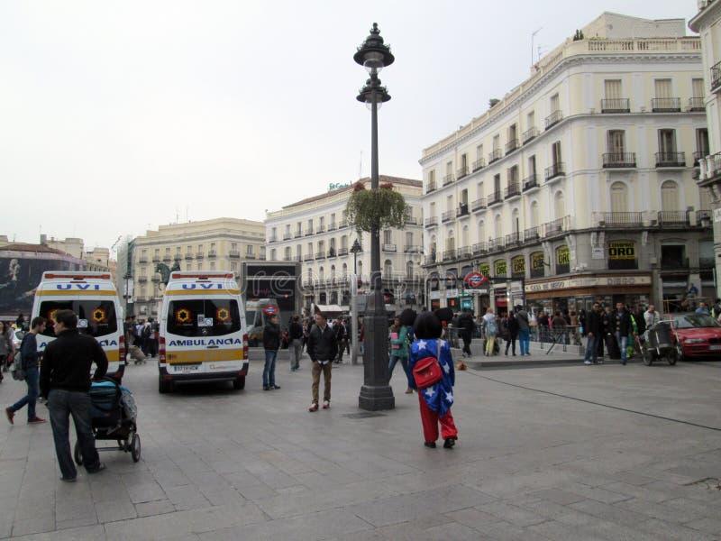 Mickey Mouse en Puerta del Sol en Madrid España Europa foto de archivo
