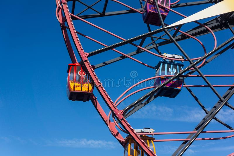 Mickey Mouse Fun Wheel Gondola-Fahrnahaufnahme lizenzfreies stockfoto