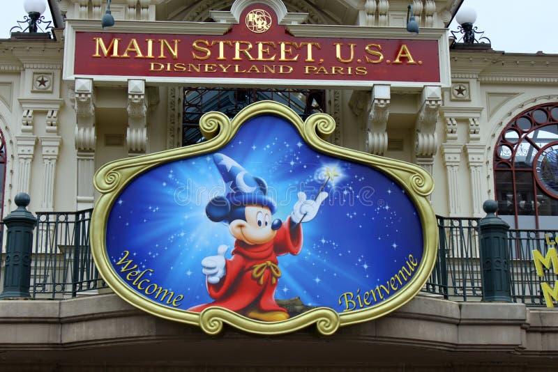 Mickey Mouse no parque de Disneylâandia foto de stock