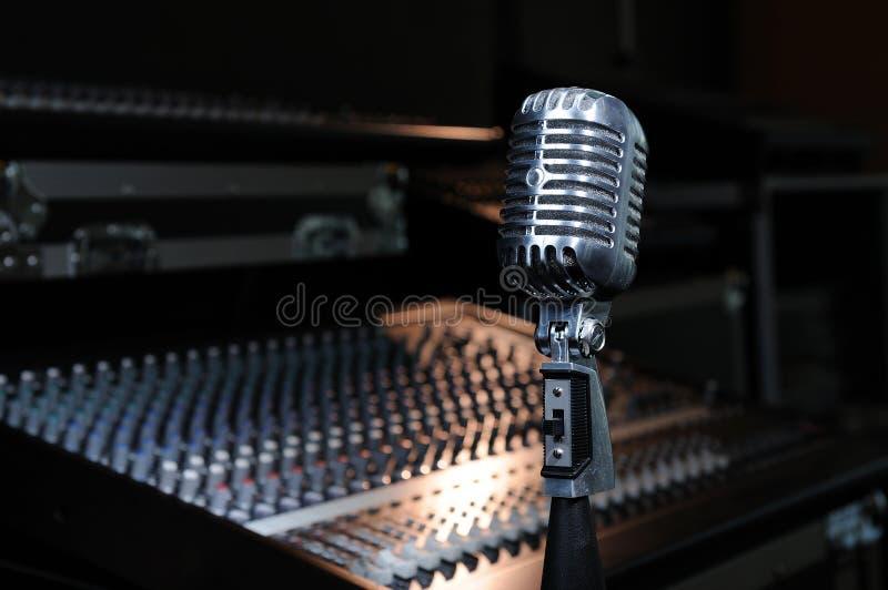 Micrófono de la vendimia imagen de archivo