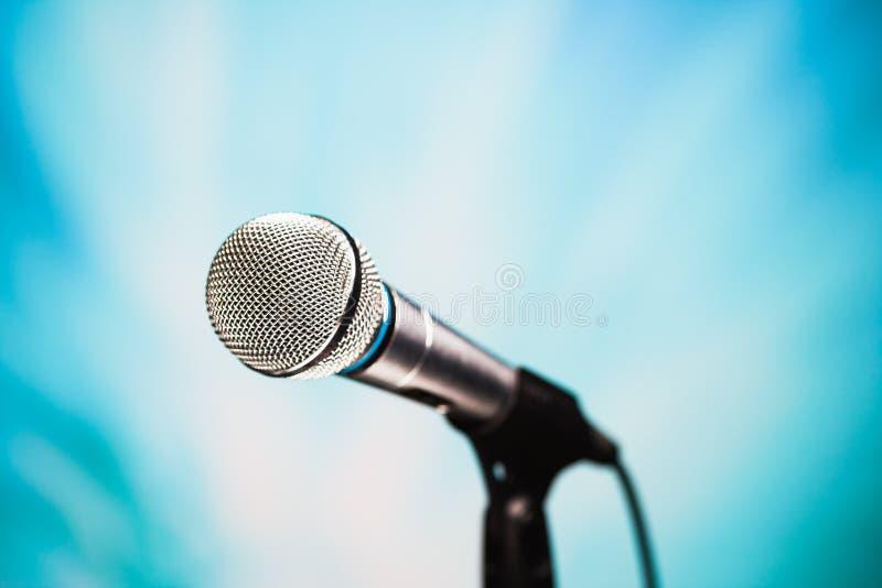 Micrófono de plata fotos de archivo