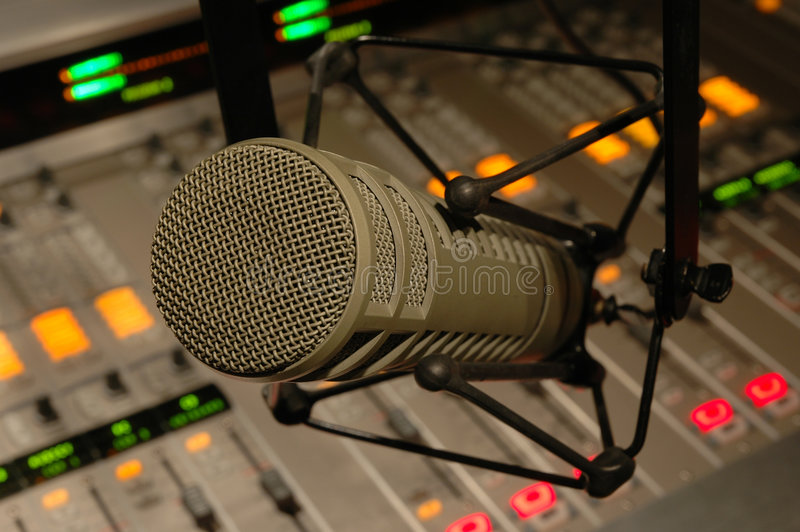 Micrófono del estudio foto de archivo libre de regalías