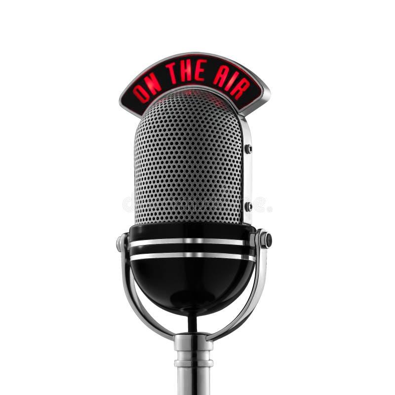 Micrófono retro clásico en el aire en el fondo blanco libre illustration