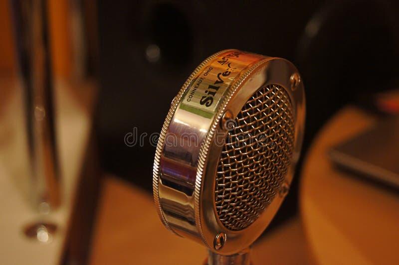 Micrófono viejo foto de archivo libre de regalías