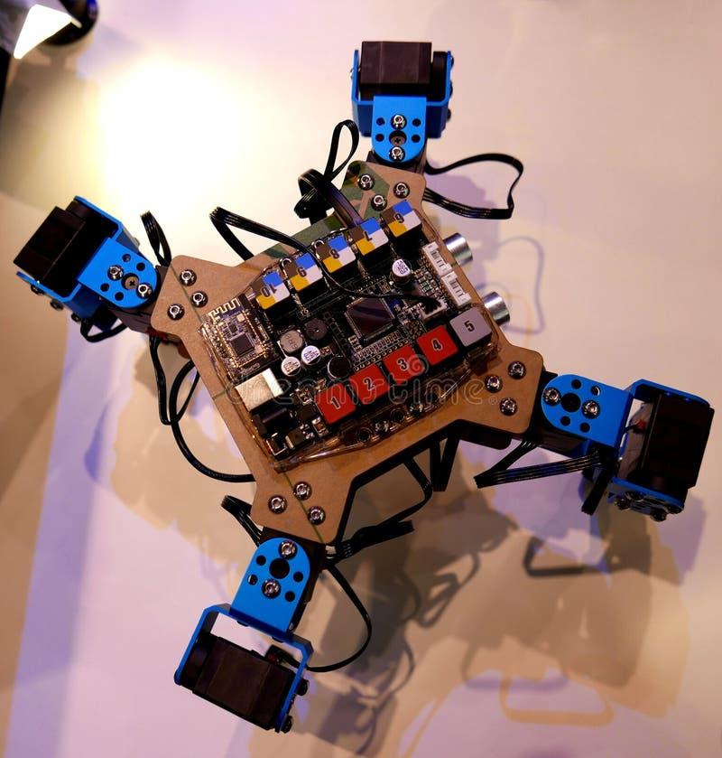 Microbit-Roboter-Gerät für STAMM Ausbildung in Hong Kong lizenzfreies stockfoto