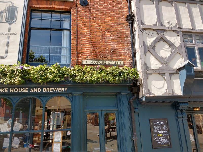 Microbrewery, St Georges Street, Norwich, Norfolk, Reino Unido imagen de archivo