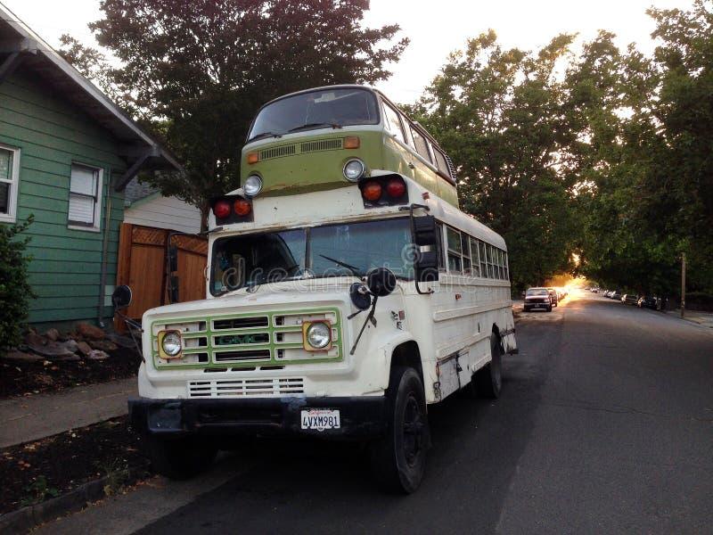 Microbusskolbuss, Petaluma, Kalifornien arkivbilder