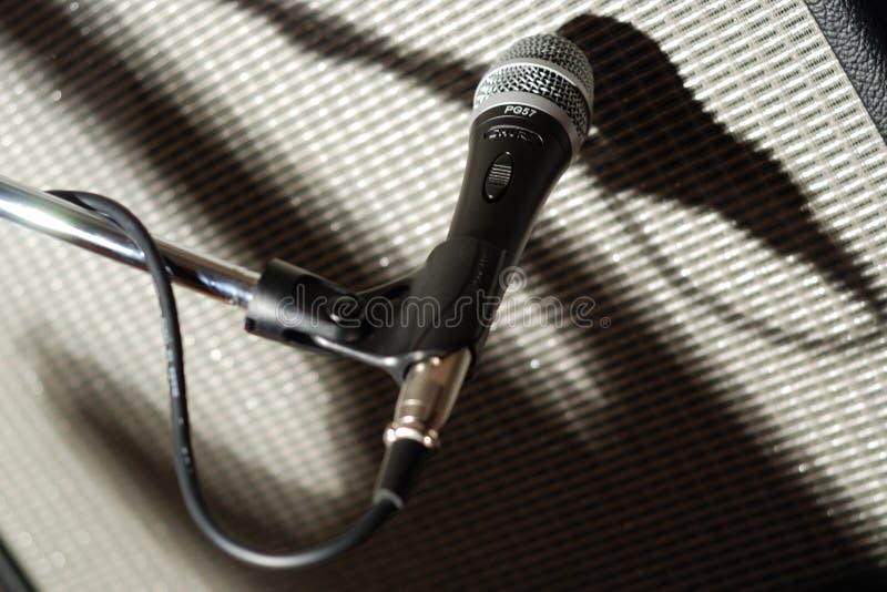 microfone影子 免版税库存照片