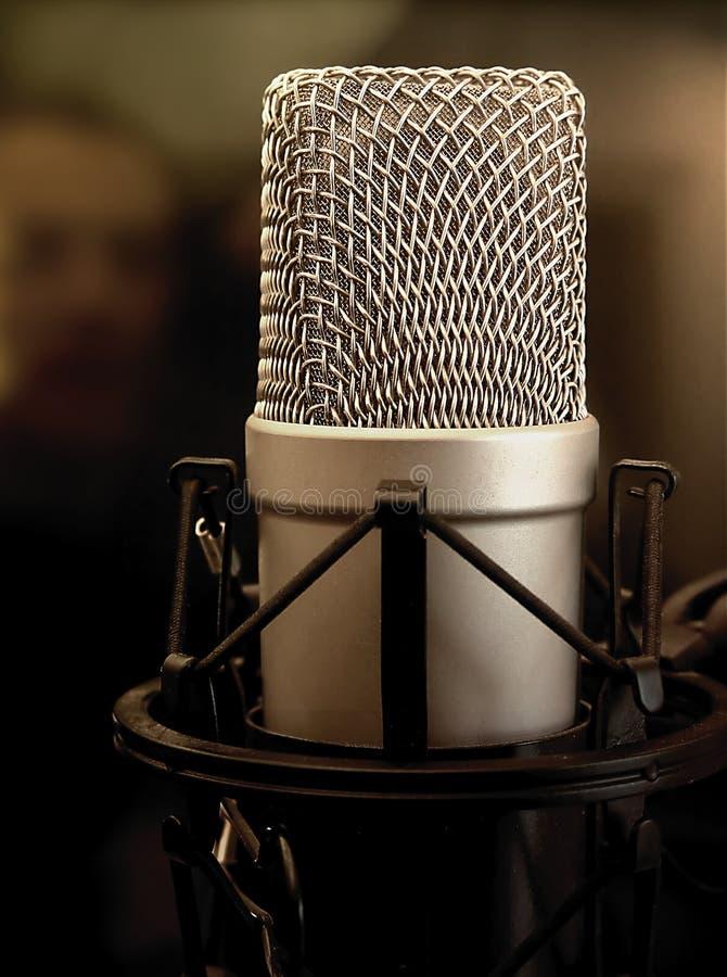 Microfone de condensador do estúdio fotografia de stock