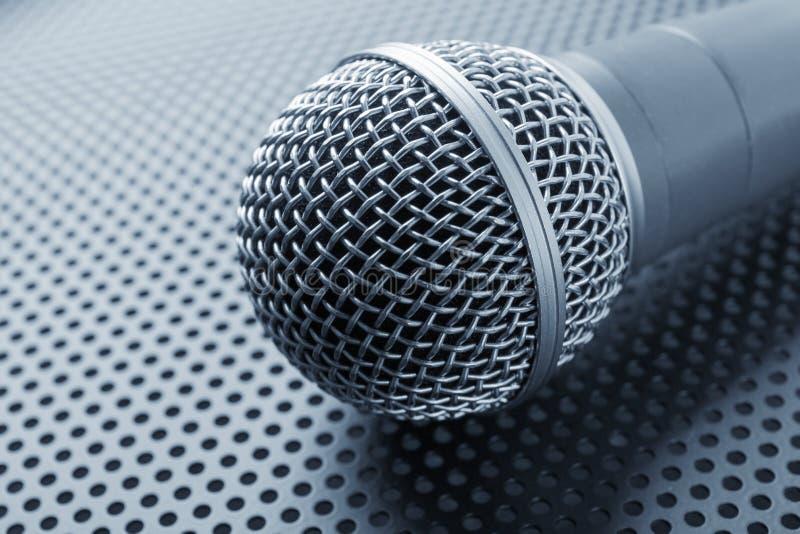 Microfone dinâmico clássico imagem de stock royalty free