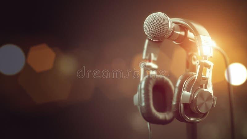 Microfone e auscultadores Áudio, música, fundo dos multimédios imagens de stock royalty free