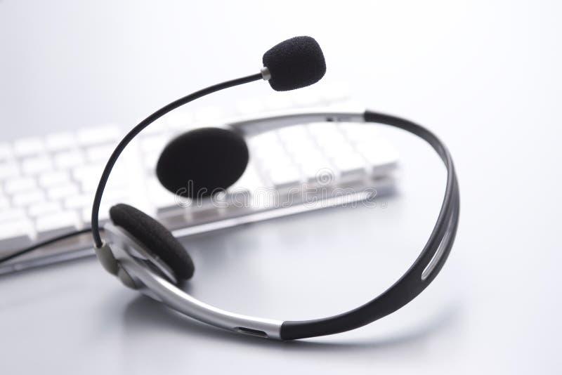 Microfone e computador imagem de stock royalty free