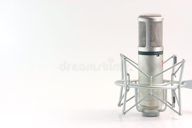 Microfone isolado imagem de stock