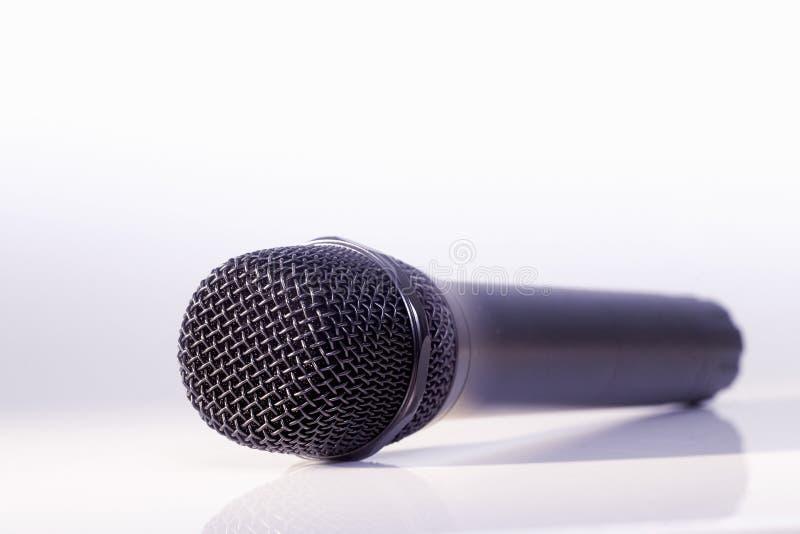 Microfone metálico preto imagem de stock royalty free