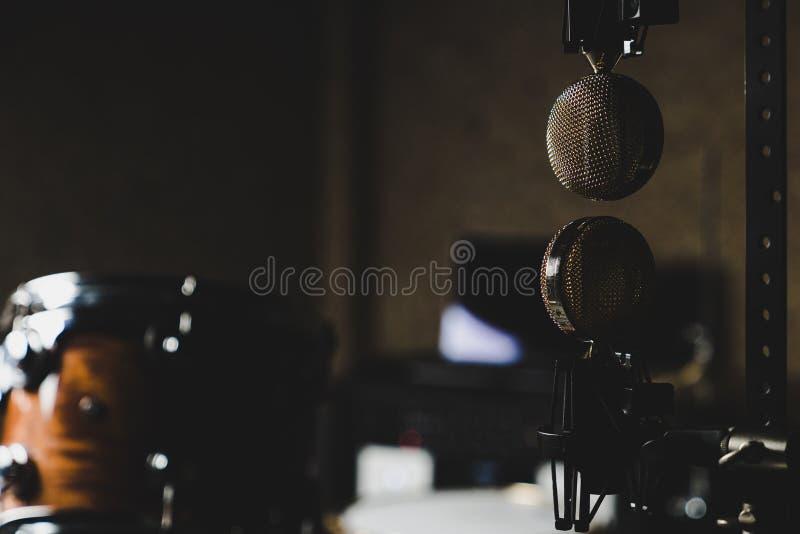 Microfones de cabe?a para baixo fotografia de stock royalty free