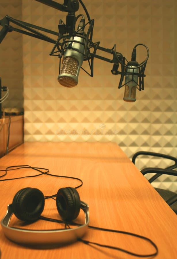 Microfones e auscultadores fotografia de stock