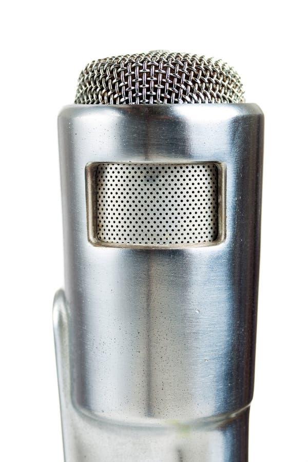 Microfono d'argento dell'annata su bianco. fotografie stock
