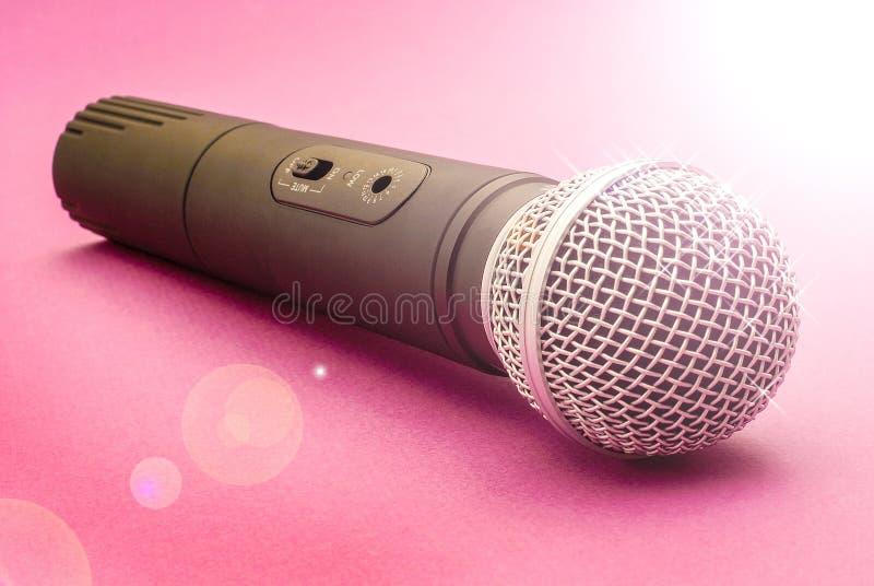 Microfono delle ragazze fotografia stock libera da diritti