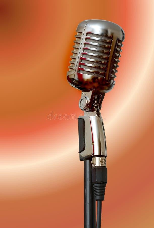 Microfono su un basamento immagine stock libera da diritti