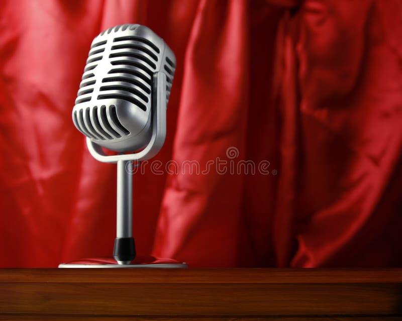 Download Microfoon stock afbeelding. Afbeelding bestaande uit muzikaal - 39116617
