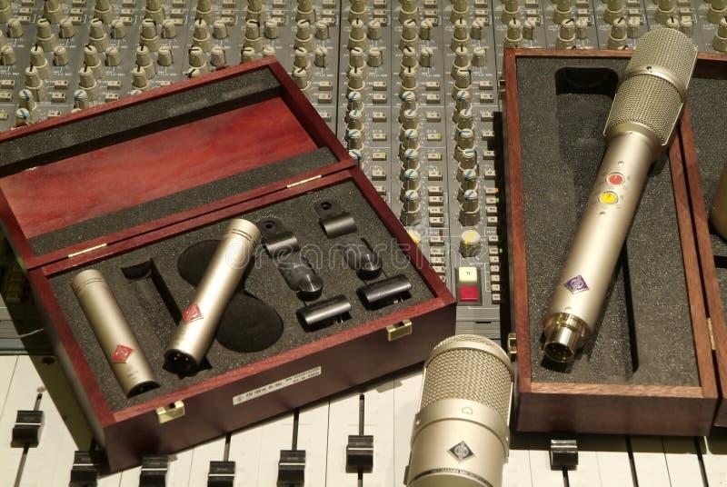 Microfoon en mixer royalty-vrije stock afbeeldingen