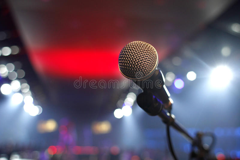 Microphone dans une disco photographie stock