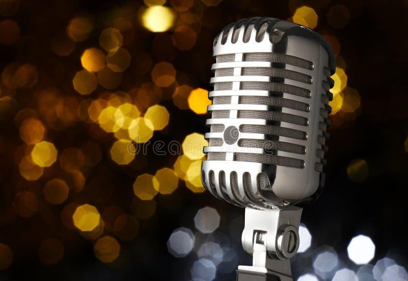 Microphone de cru sur l'étape photographie stock