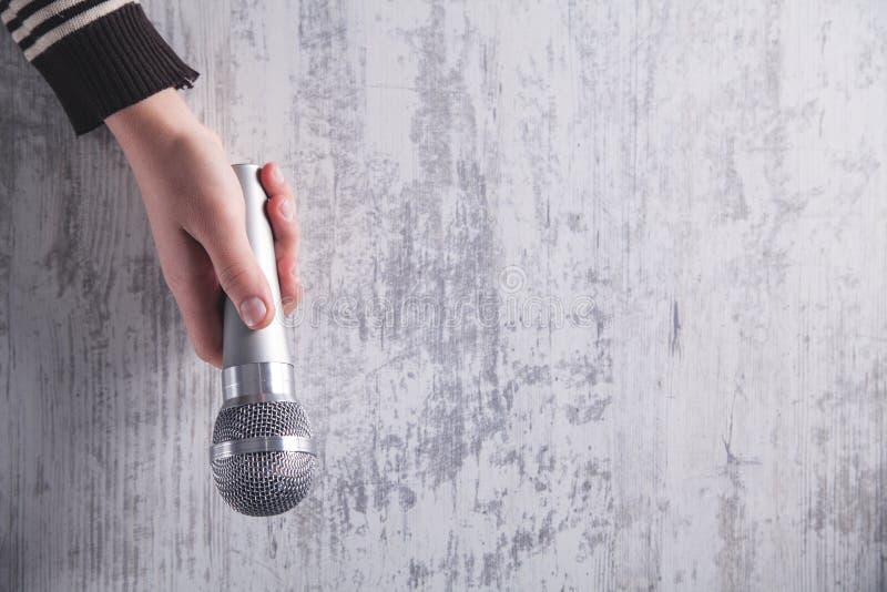 Microphone de fixation de main photo libre de droits