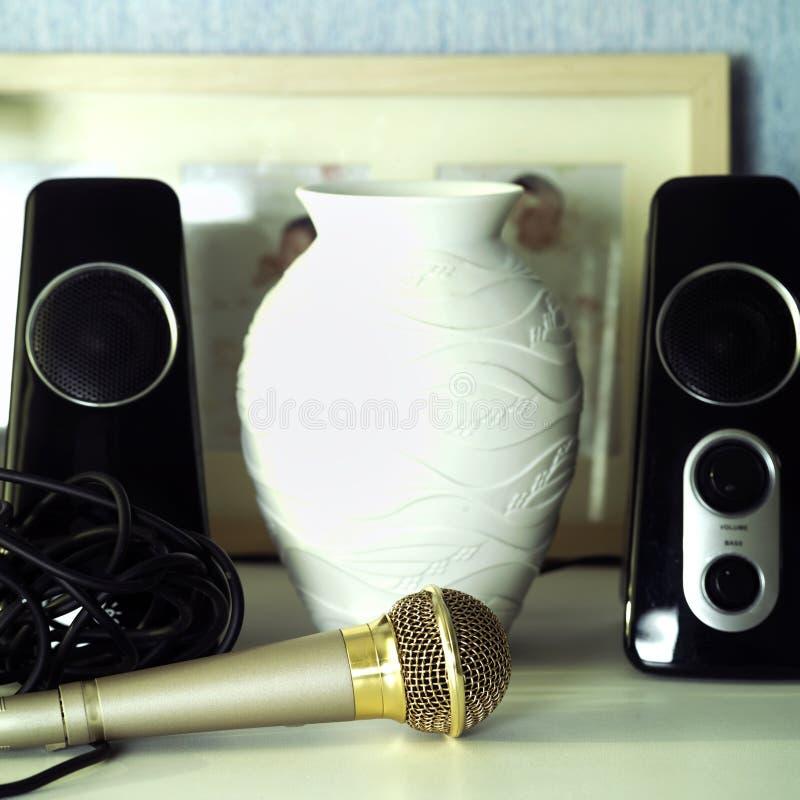 Microphone et haut-parleurs photos libres de droits