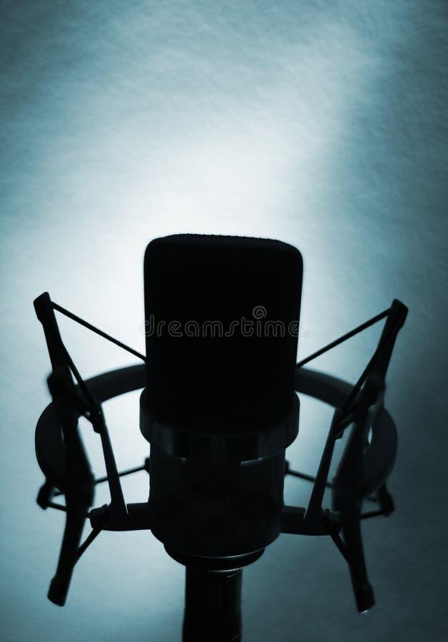 Microphone vocal de voix de studio d'enregistrement audio images libres de droits