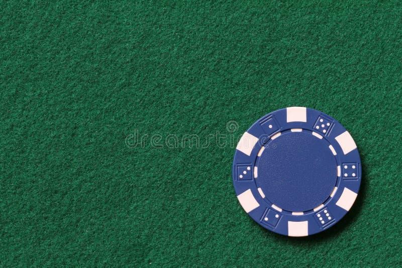 Microplaqueta de póquer azul fotografia de stock royalty free