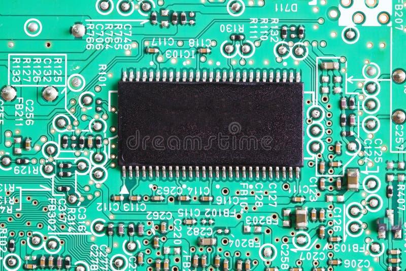 Microplaqueta eletrônica a bordo foto de stock