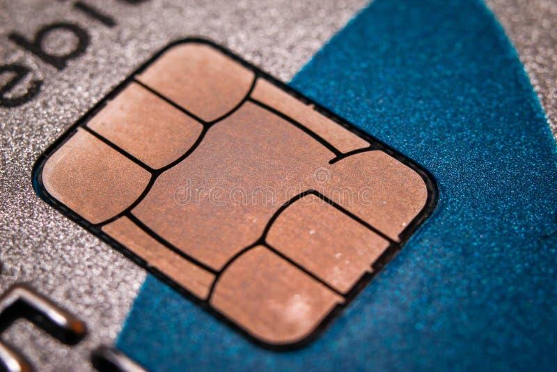 Microplaqueta no cartão de crédito fotos de stock