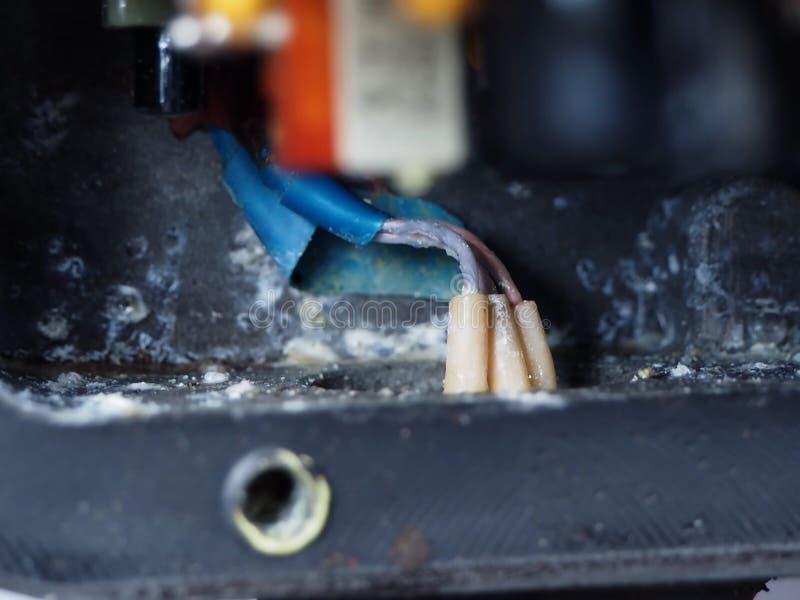 A microplaqueta velha no óxido oxidado fotografia de stock royalty free