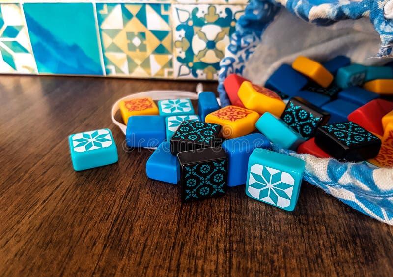 Microplaquetas coloridas Telhas das cores imagens de stock